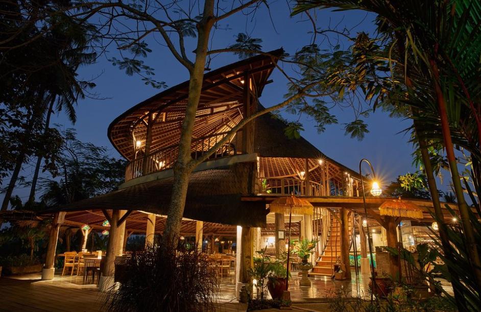 Kayun Restaurant & Lounge