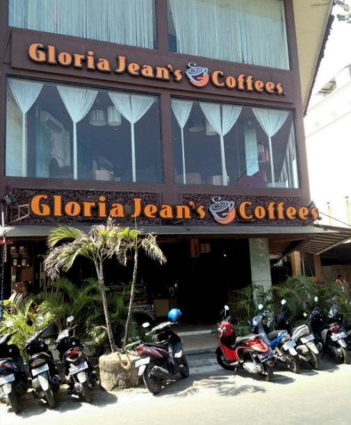 Gloria Jean'S Kuta Square