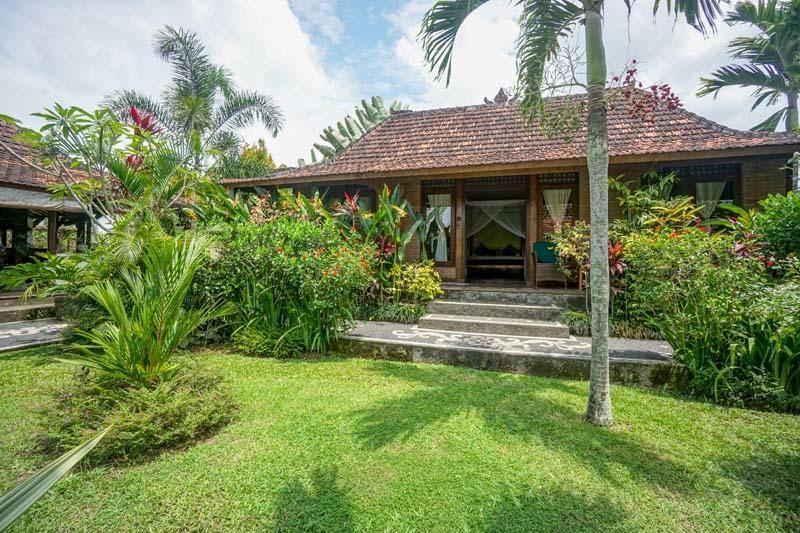 Rumah Sungai Villa