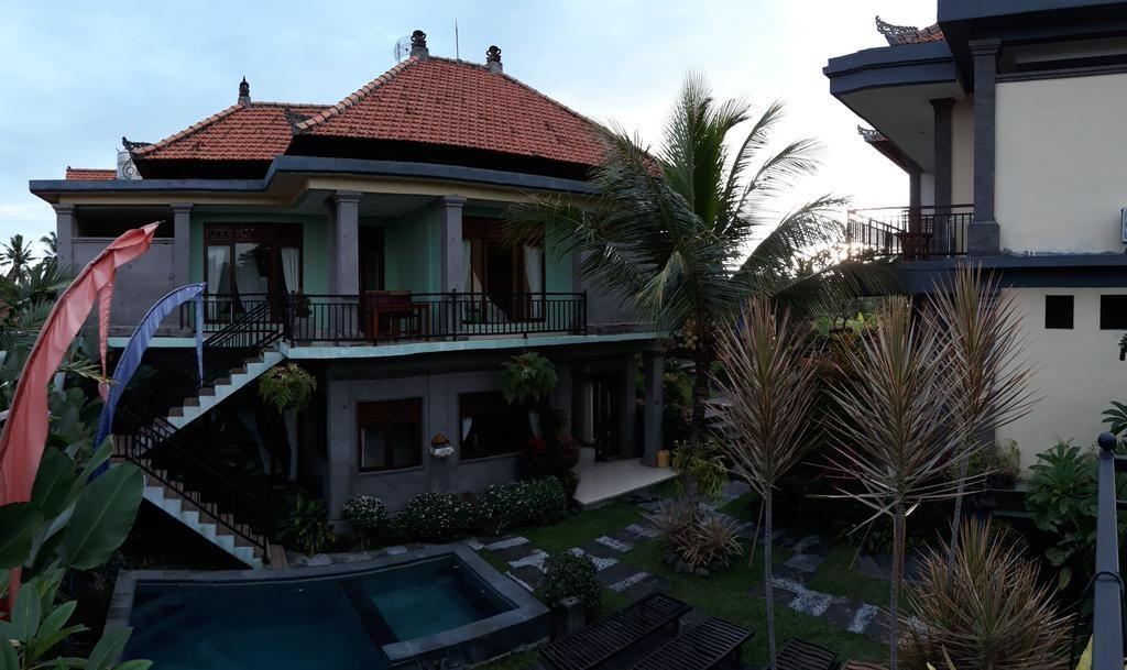 Villa Bungsil Gading