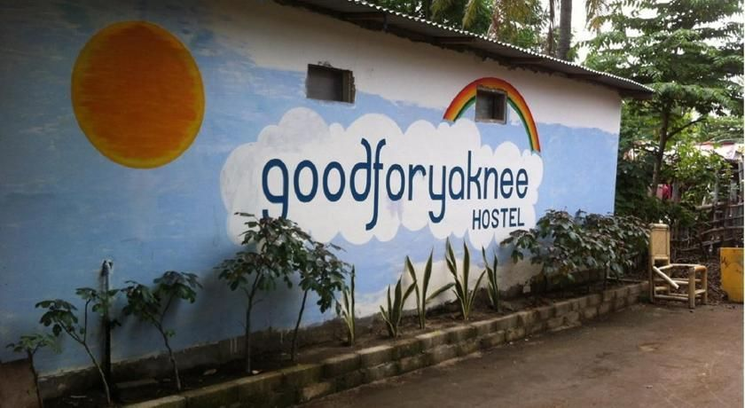 Good For Ya Knee Hostel & Bungalows
